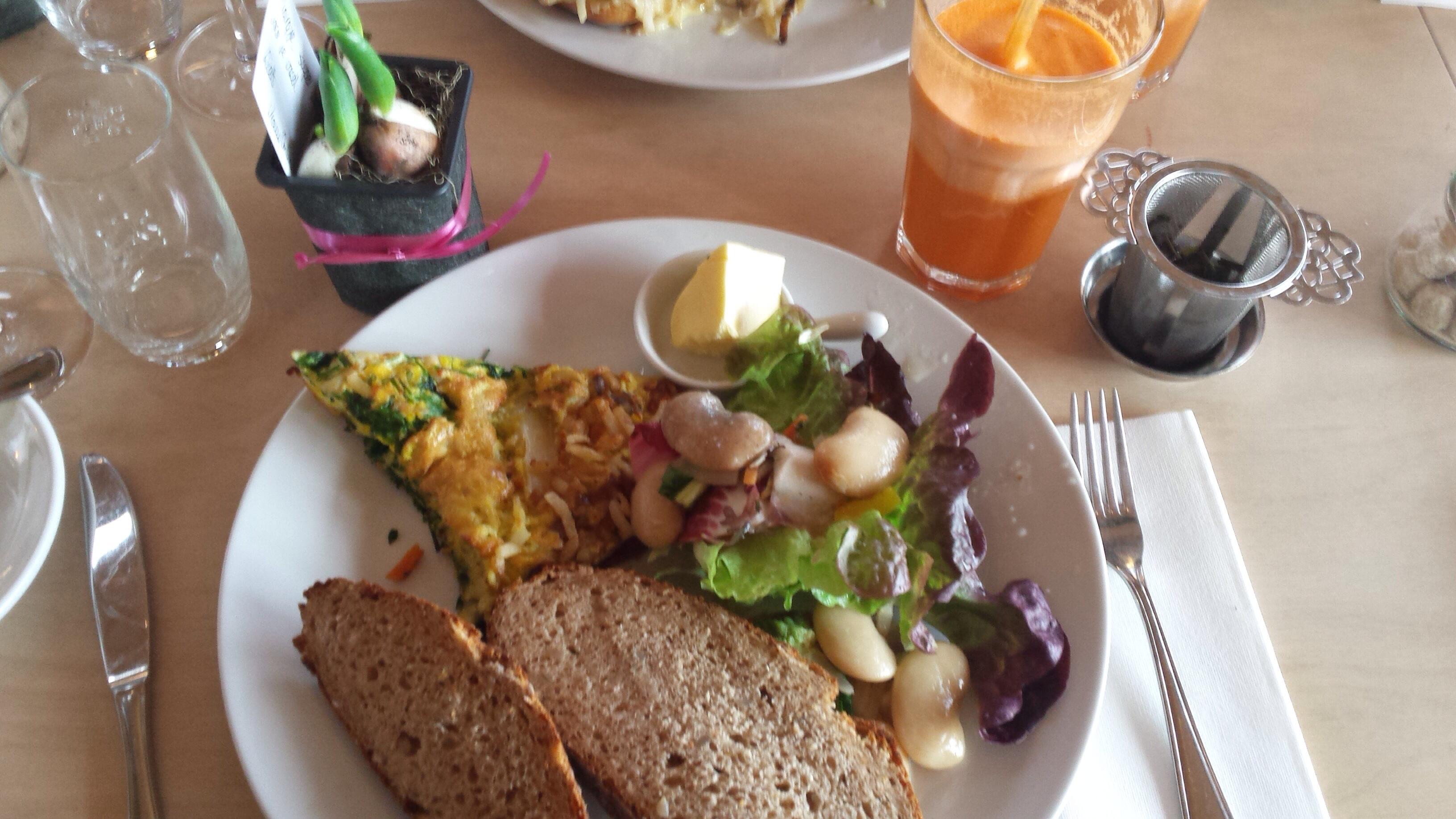 lunch vrouw mooi in de buurt Geertruidenberg